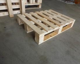 Holzpalette-540x740-in-stabiler-Ausführung