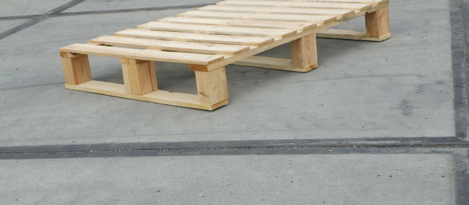 Holzpalette-930×660-in-4-Wege-Ausführung