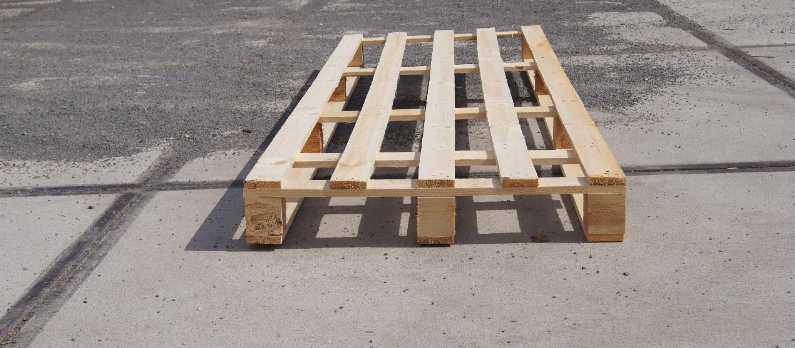 Einwegpalette-2400×800-mit-5-Deckbrettern