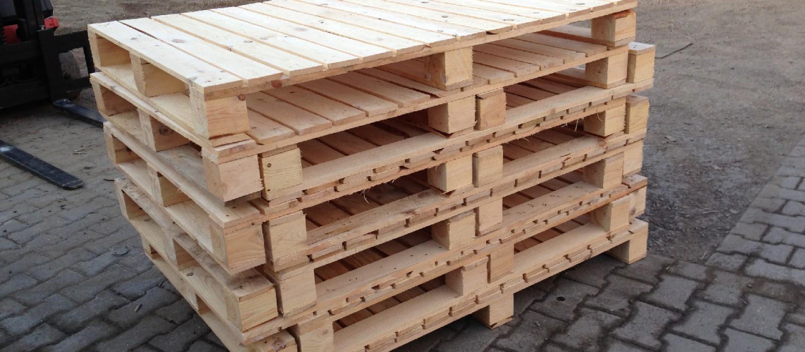 Holzpalette-1400×1000-für-Papierformate