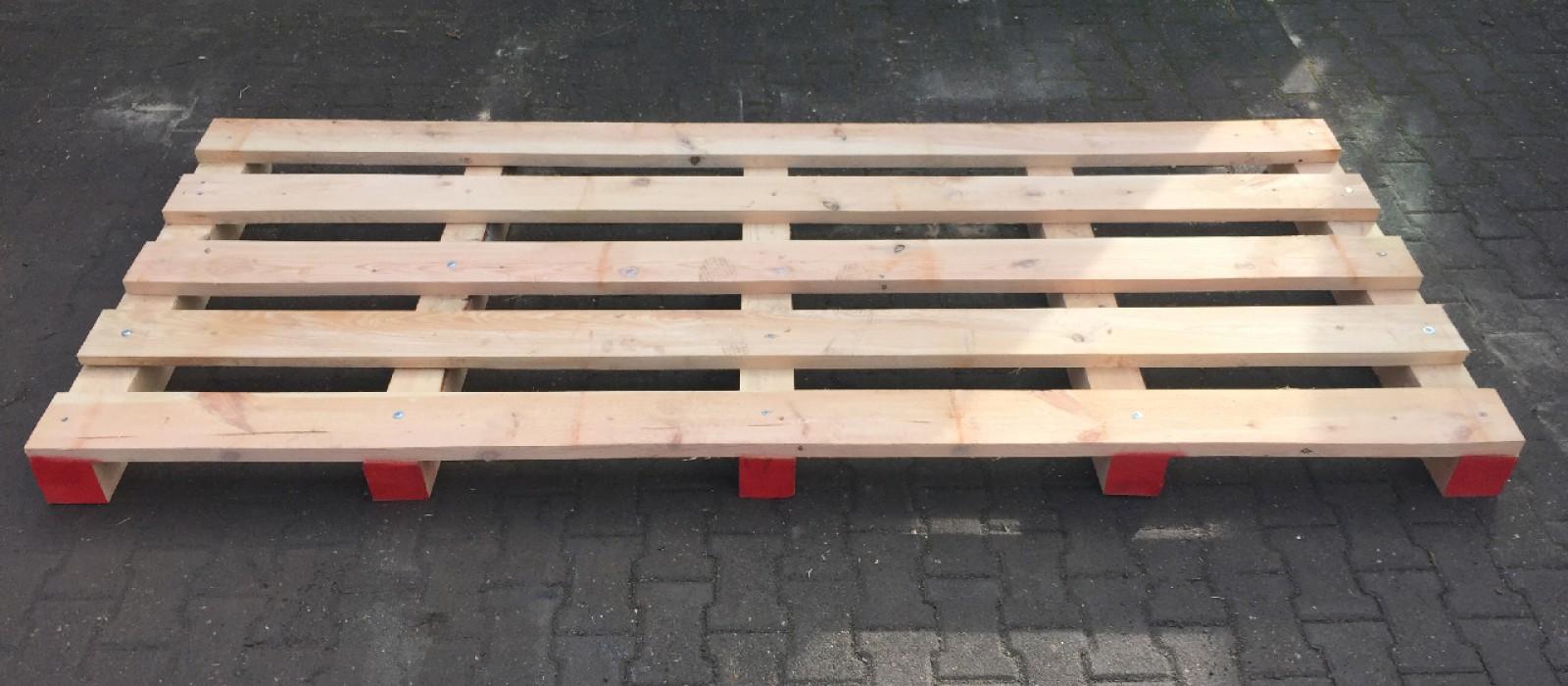 Einwegpalette-in-Variante-mit-5-Deckbrettern