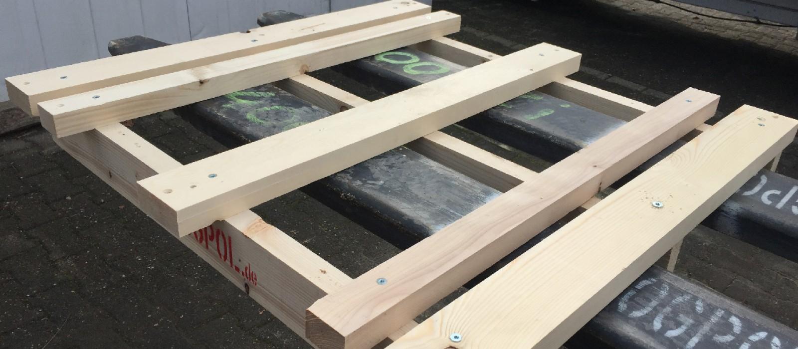 Holzpalette-in-2-Wege-Ausführung-1200×1200
