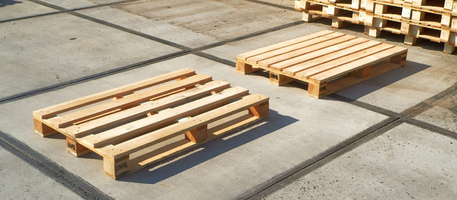 Holzpalette-1200×800-mit-5-Deckbrettern