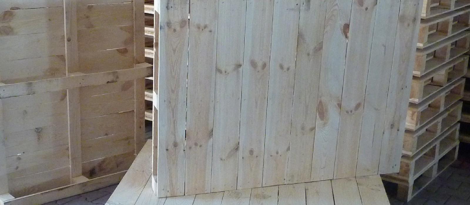 Holzpalette-1400×700-mm-für-Großpapierformate