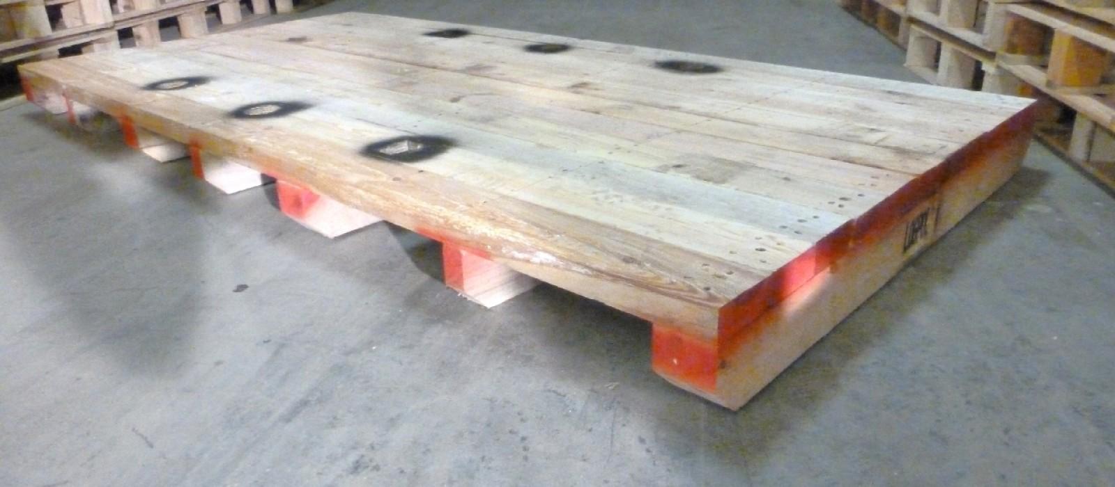 Schwerlast-Holzpalette-für-Walze-bzw.-zum-Transport-von-Maschinen