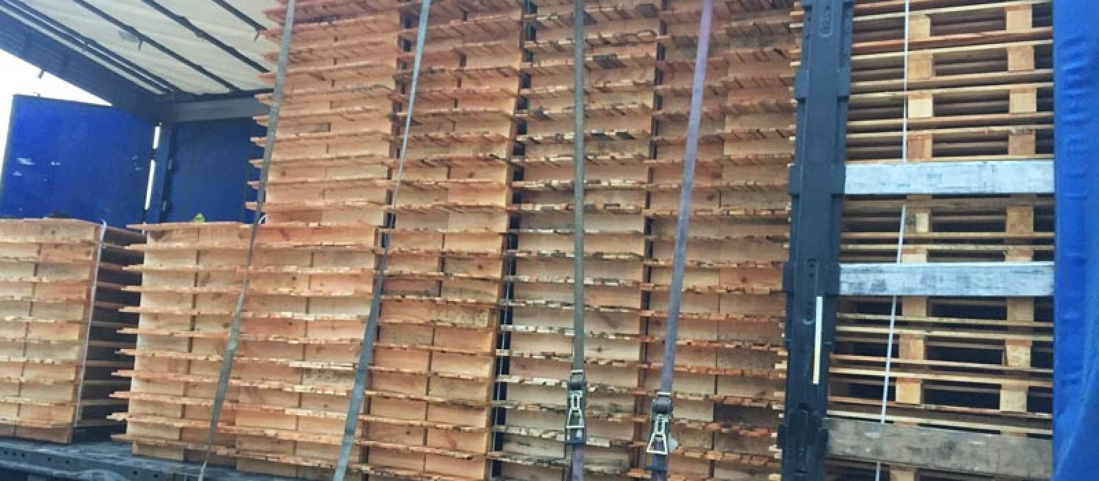 Holzpalette-1000×350-Verladung