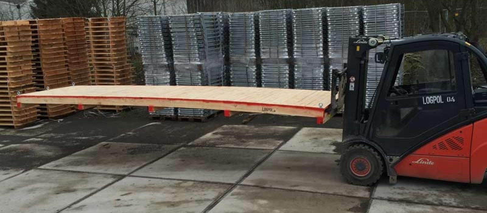 Holzpalette-mit-Ösen-6500×1200