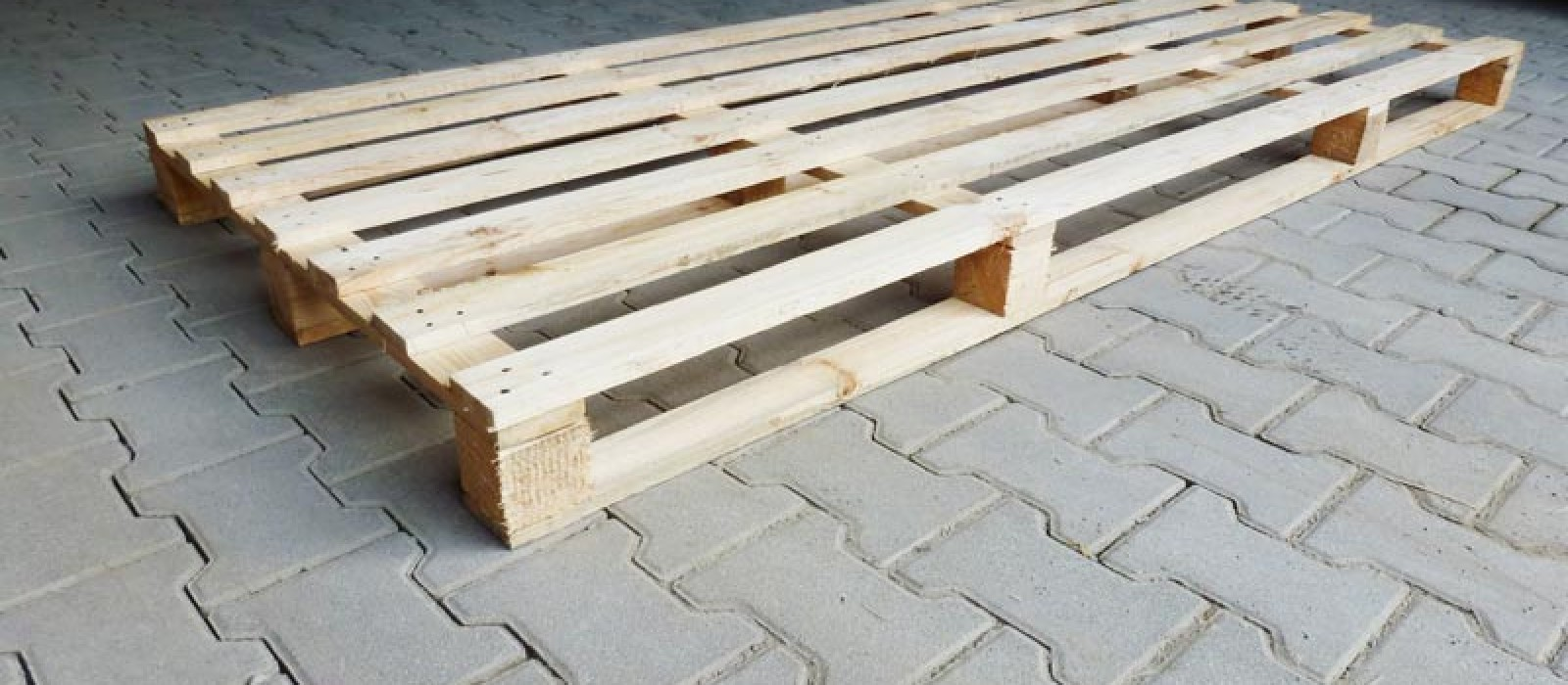 4-Wege-Holzpalette-2200×1000-mm-aus-Produktion-Wipperfürth