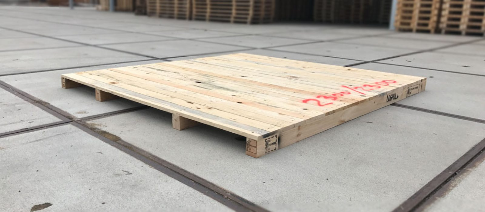 Holzpalette-2300×2300-1