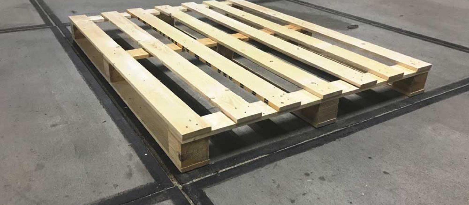 Holzpalette 1600×1600 LOGPOL