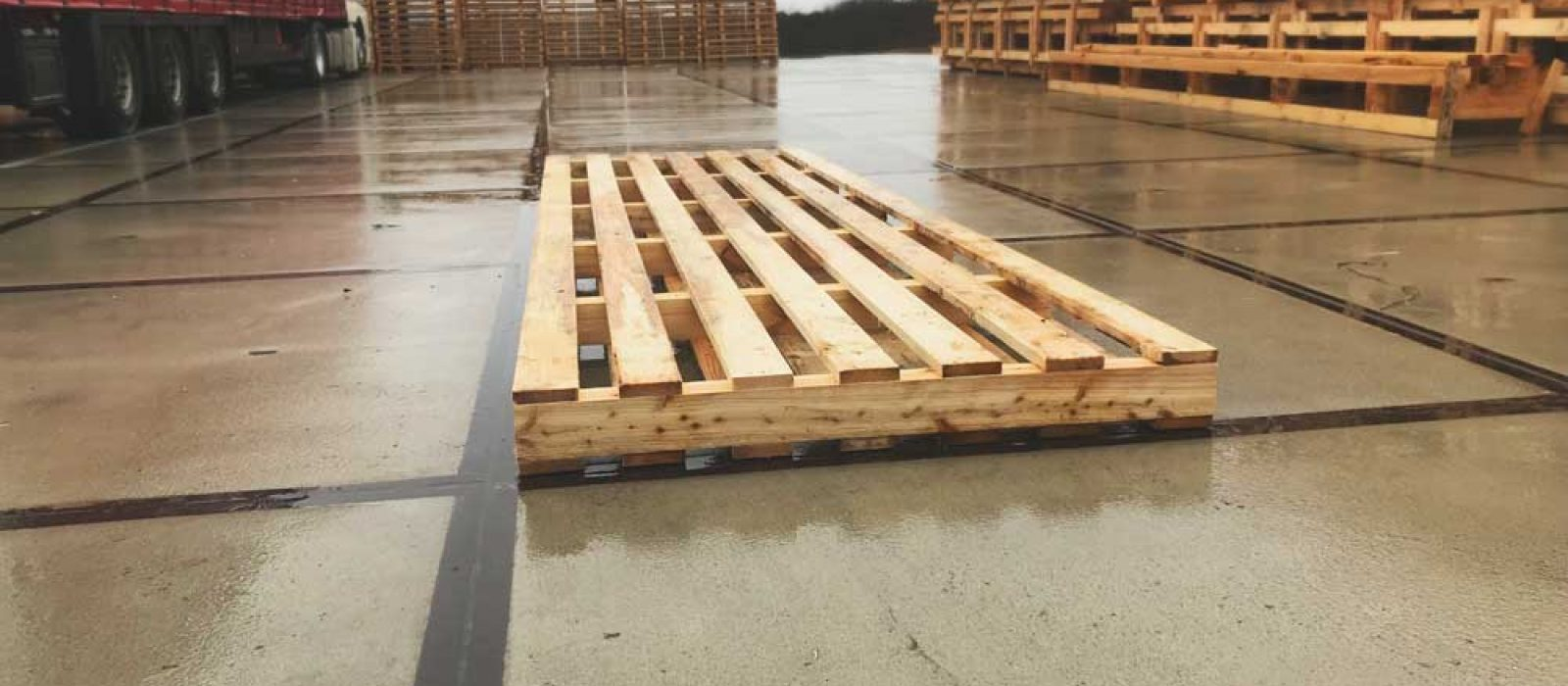 Holzpalette-als-2-Wege-LOGPOL