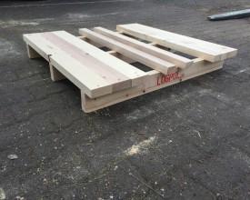 Holzpalette-in-2-Wege-Ausführung-1200x1200mm