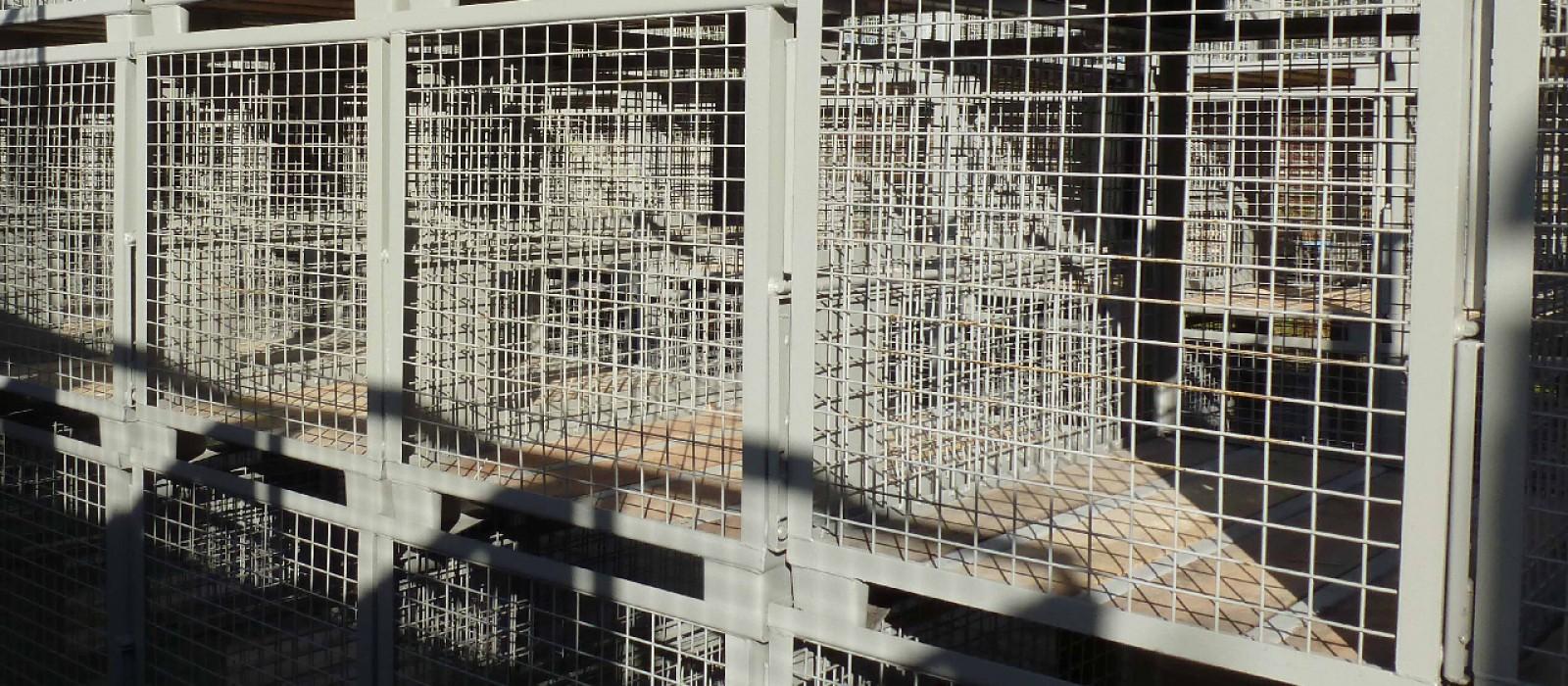 7-Gitterboxen-1200x800x800-grau-lackiert