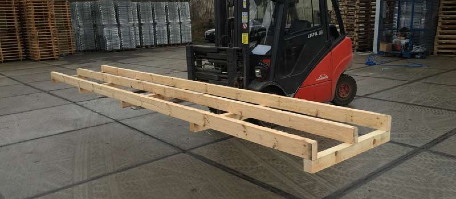 Holzkonstruktion-für-Ketten